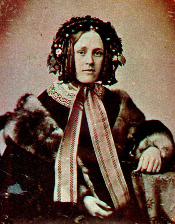 http://weasel.uvm.edu/herstery/hstam1855-young_woman.jpg